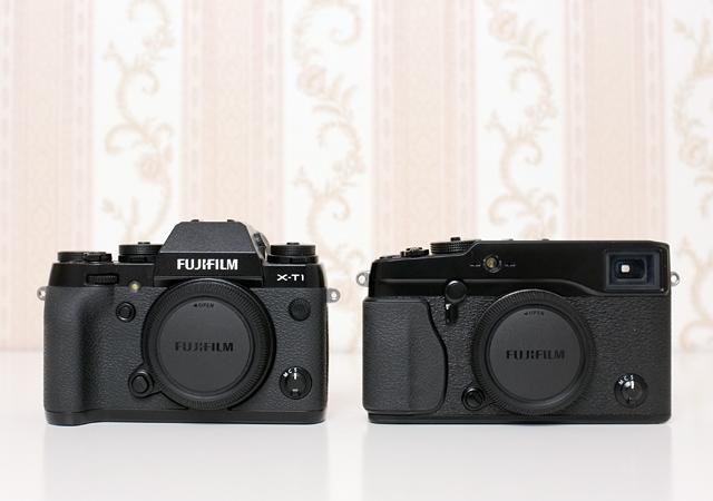 Gehäuse Fujifilm X-T1 neben Fuji X-Pro 1