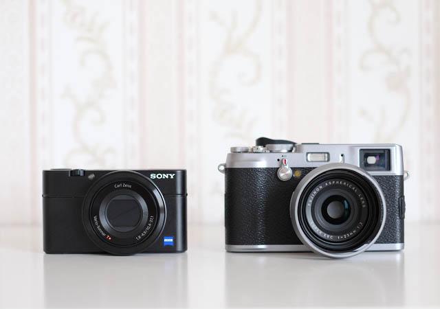 Größenvergleich der Sony RX 100 mit der Fuji X100