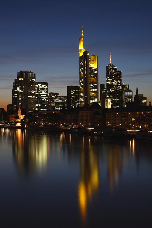 Richtige Belichtung am Beispiel der Skyline von Frankfurt