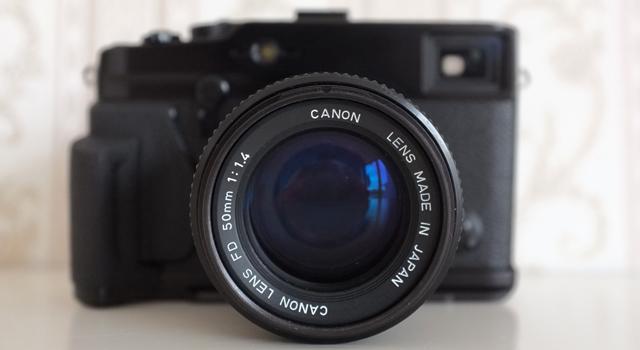 Manuelles Canon FD 50mm f1.4 Objektiv an der Fuji X Pro 1 Systemkamera. Verwendet wurde ein Adapter von Novoflex.