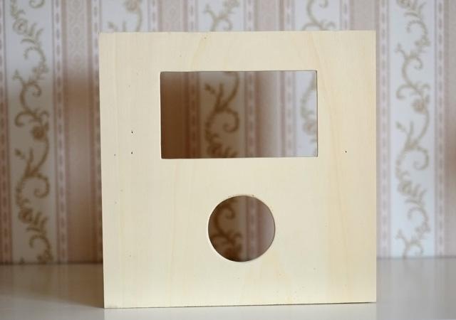 Die fertig ausgeschnittene Frontplatte für das Photobooth Gehäuse.