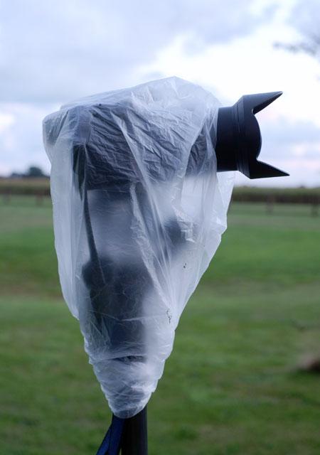 Mülltüte Gratis Regenschutz für Kamera