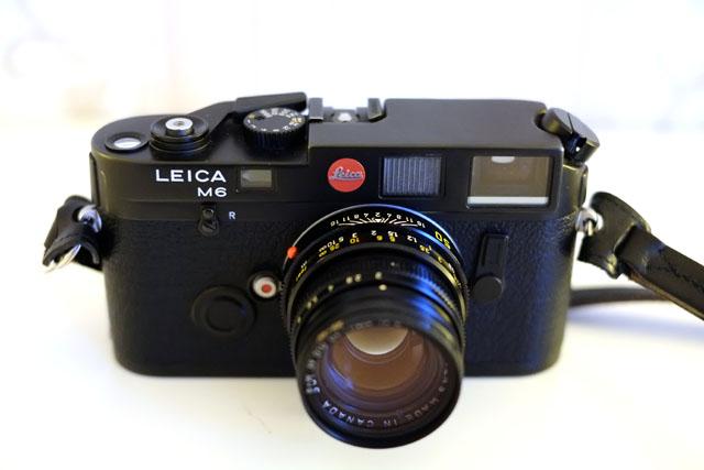 Draufsicht auf Leica M6 aus Vogelperspektive